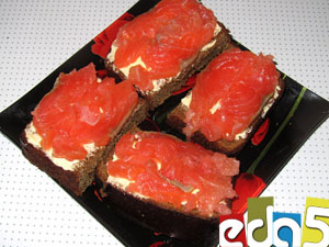 http://www.eda5.ru/recipes/appetizers/fishsbread/images/main.jpg